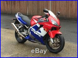 HONDA CBR 600 F4i / LOW MILEAGE 11 308 / 2002 / DELKEVIC EXHAUST / FULL SERVICE