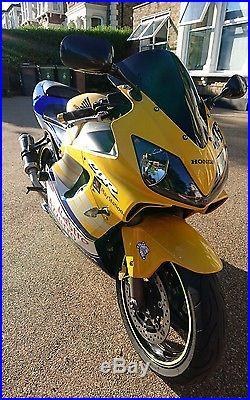 Honda CBR 600 f sport Rossi signature
