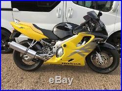 Honda CBR 600F4 (2000 reg) 22,693 Miles